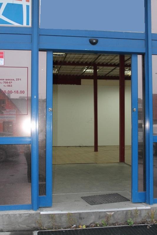 Торгово-офисное, складскле помещение, общей площадью 100,9 кв.м по адресу С-Петербург, Южное шоссе д.37 к.1 (Фрунзенский район СПБ)