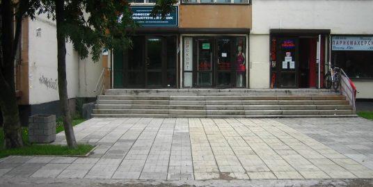 Продаются торговые помещения,113м2 / 33,4м2 / 33,1м2, НФ в Выборгском районе на 1 эт