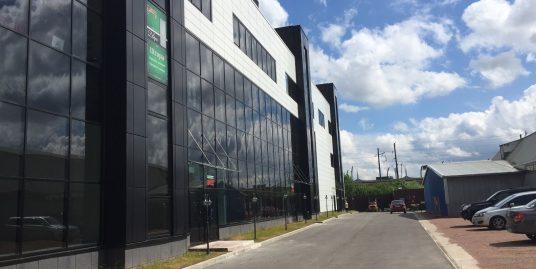 Сдается помещение свободного назначения 470,5 м2 на 1этаже в ТК Русская деревня,площадь можно делить под арендатора.