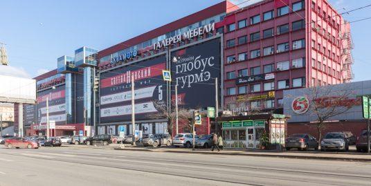 В аренду предлагается торговые помещения площадью 62,8м2, 117м2, 52,9м2 на 2эт в ТК «Светлановский»