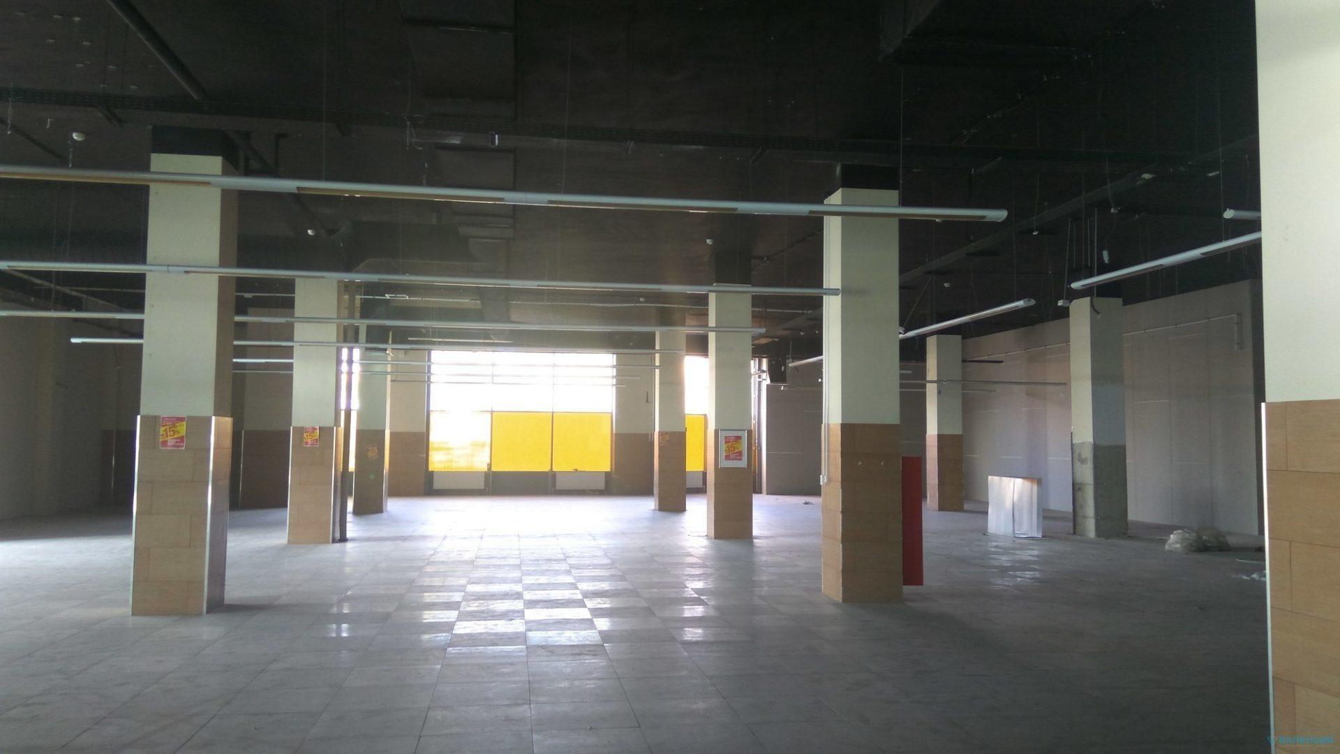 Предлагаем в аренду торговую площадь 2200м2 на 1эт в МФК «ПАРГОС», первая линия Выборгского ш. 369