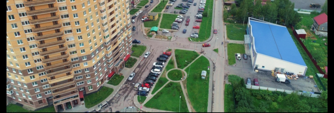 Продается отдельностоящее здание в пос. Мурино, Всеволожский р-н, Лен. области, 766м2, 1эт, на участке 1650м2. с арендатором магазин «Семья».