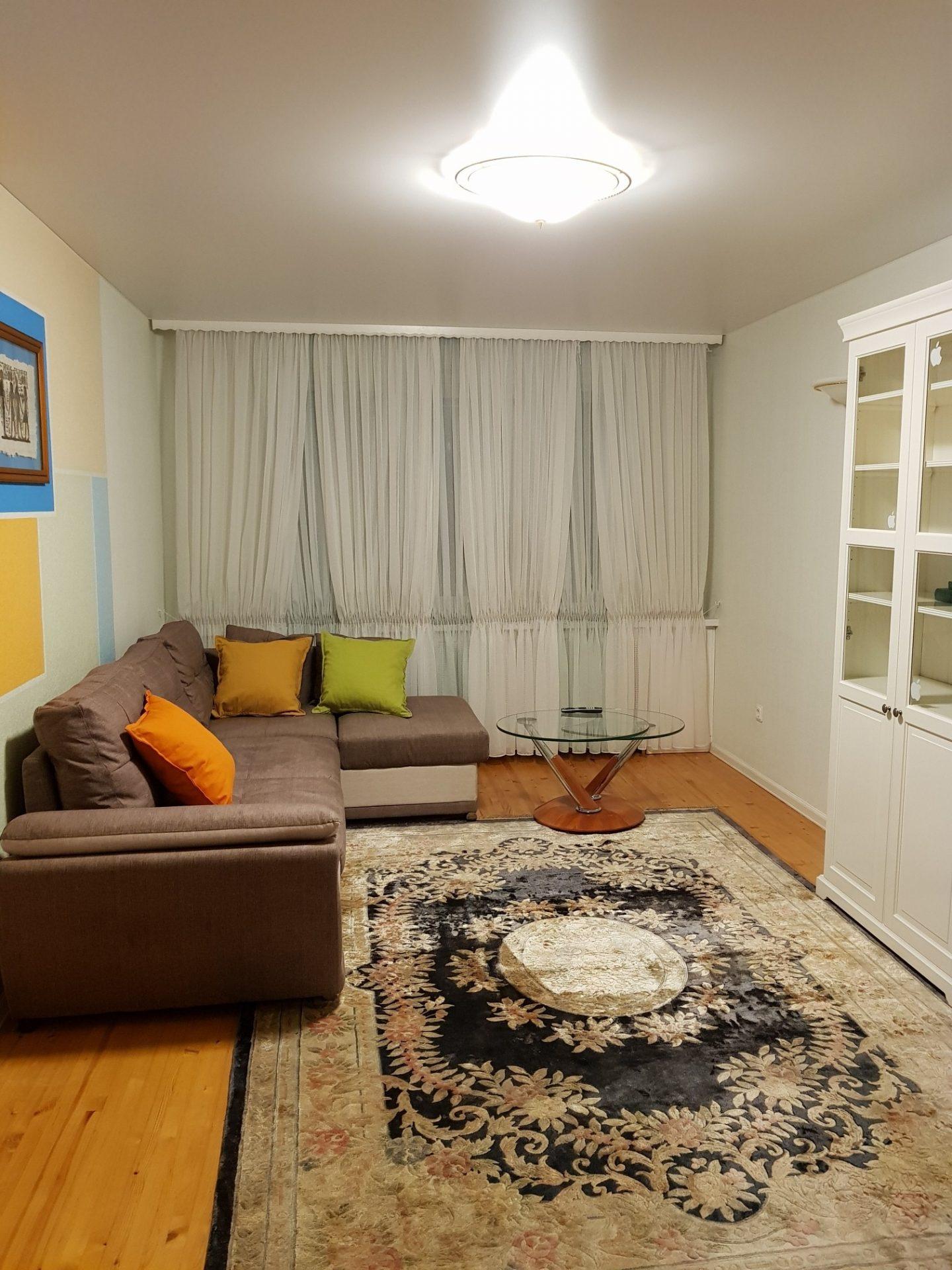 Сдается в аренду на длительный срок 4 комнатная квартира, 90м2 в малоэтажном, кирпичном доме, пр. Энгельса