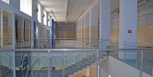 Сдается торговая площадь 1270.8м2, на 2эт по пр. Энгельса 27, на 1эт м-н «Лента»