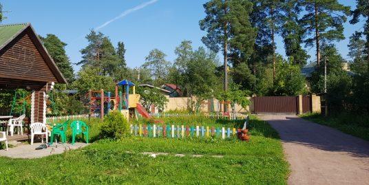 Сдается комплекс из 2 жилых домов и бани на участке в 32сот, Всеволожск, ул. Озерная.