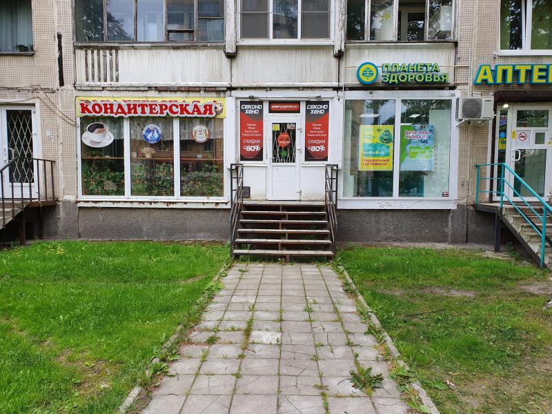 Сдается в аренду торговое помещение 74,3м2, 1этаж, первая линия пр. Луначарского 56.