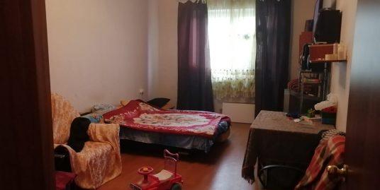 Продается комната 19,7м2 в 3 к. кв общей площадью 92,2м2 находящейся на 14 эт., пр. Героев, д.26, к.2.
