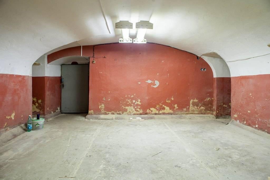 Аренда помещения свободного назначения 200,7м2, подвал с окнами на ул. Комсомола 1-3.